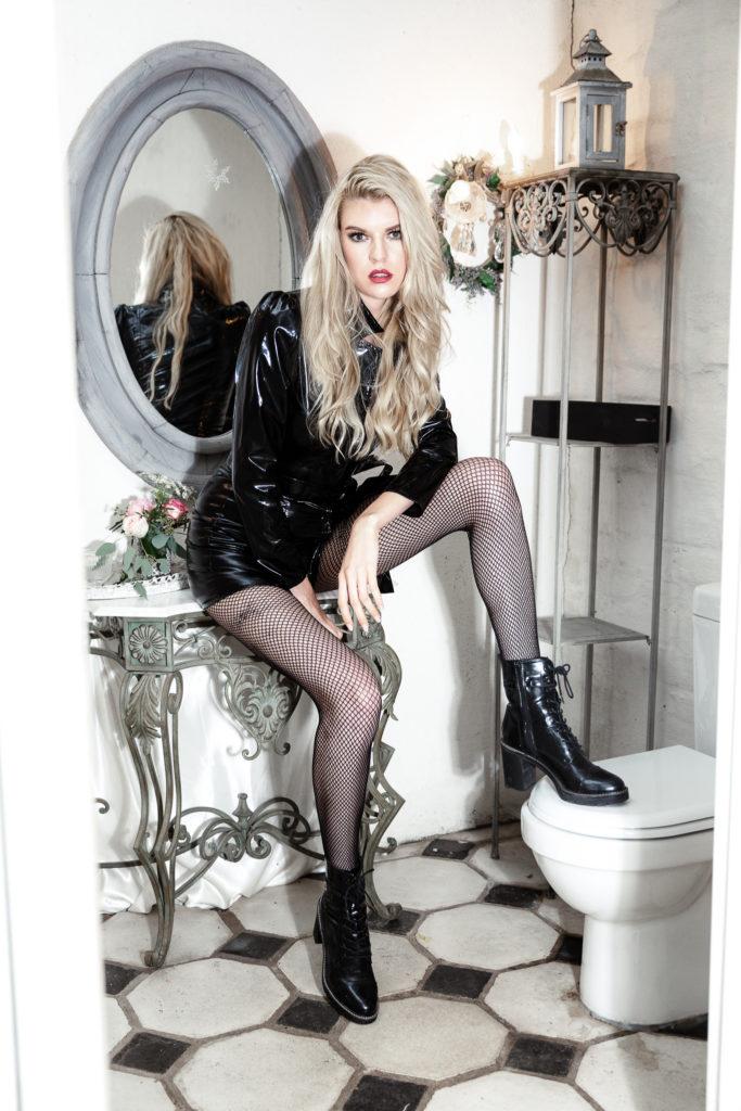 Model Franziska Holzer Leather Shooting 4
