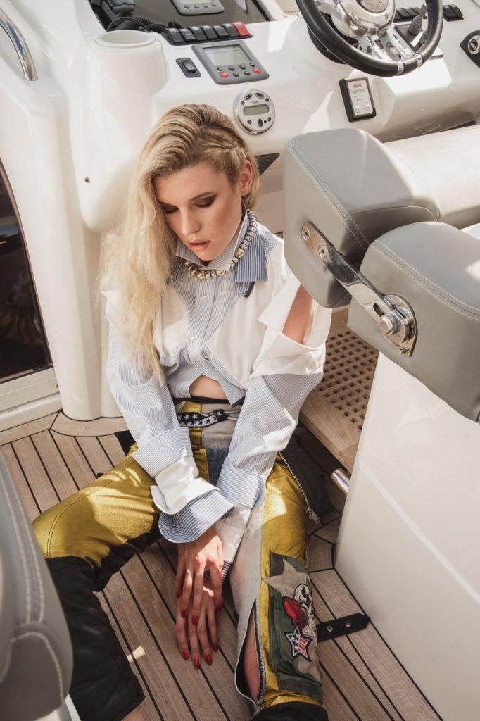 Model Franziska Holzer Pia Bolte boat shooting 21