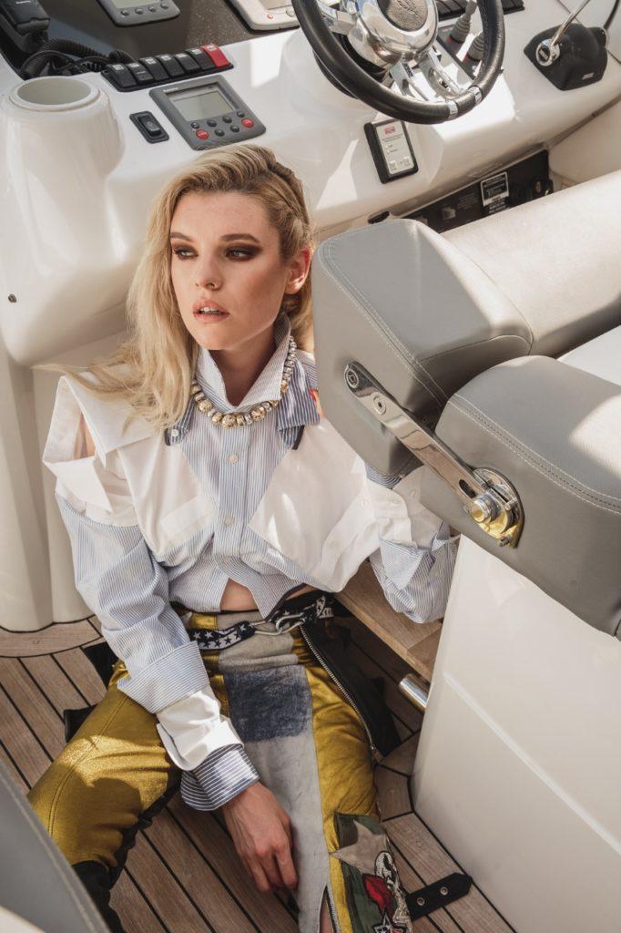 Model Franziska Holzer Pia Bolte boat shooting 23