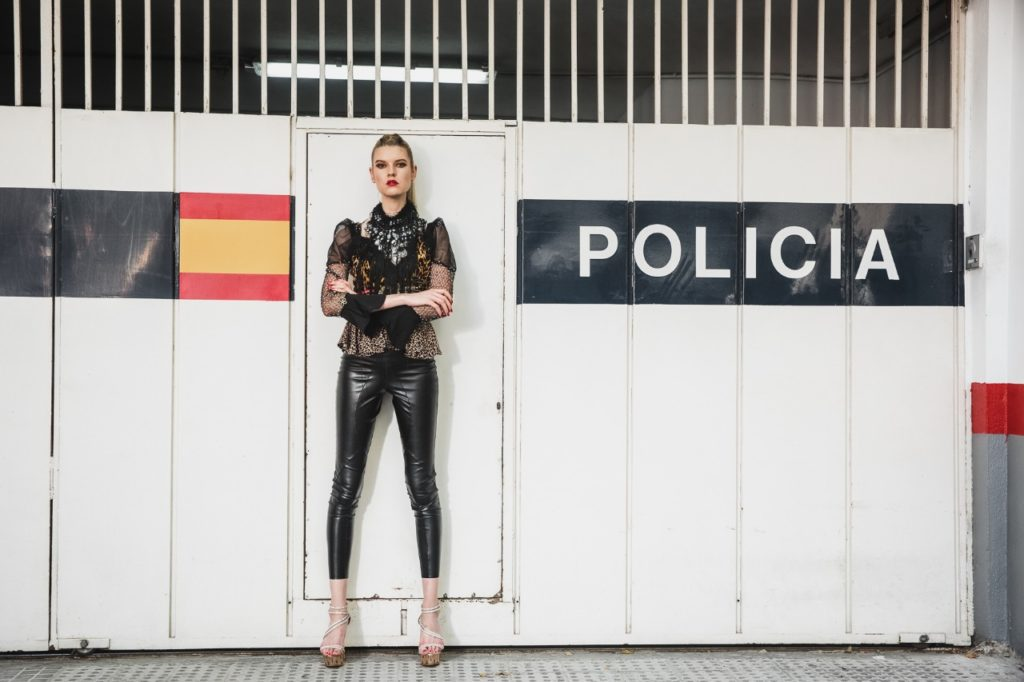 Model Franziska Holzer Pia Bolte outside Shooting 22
